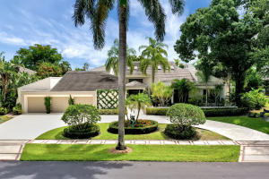 19684  Oakbrook Circle  For Sale 10636228, FL