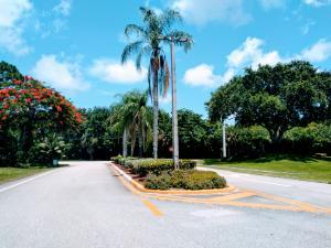 4252  Palm Bay C Circle  For Sale 10640276, FL