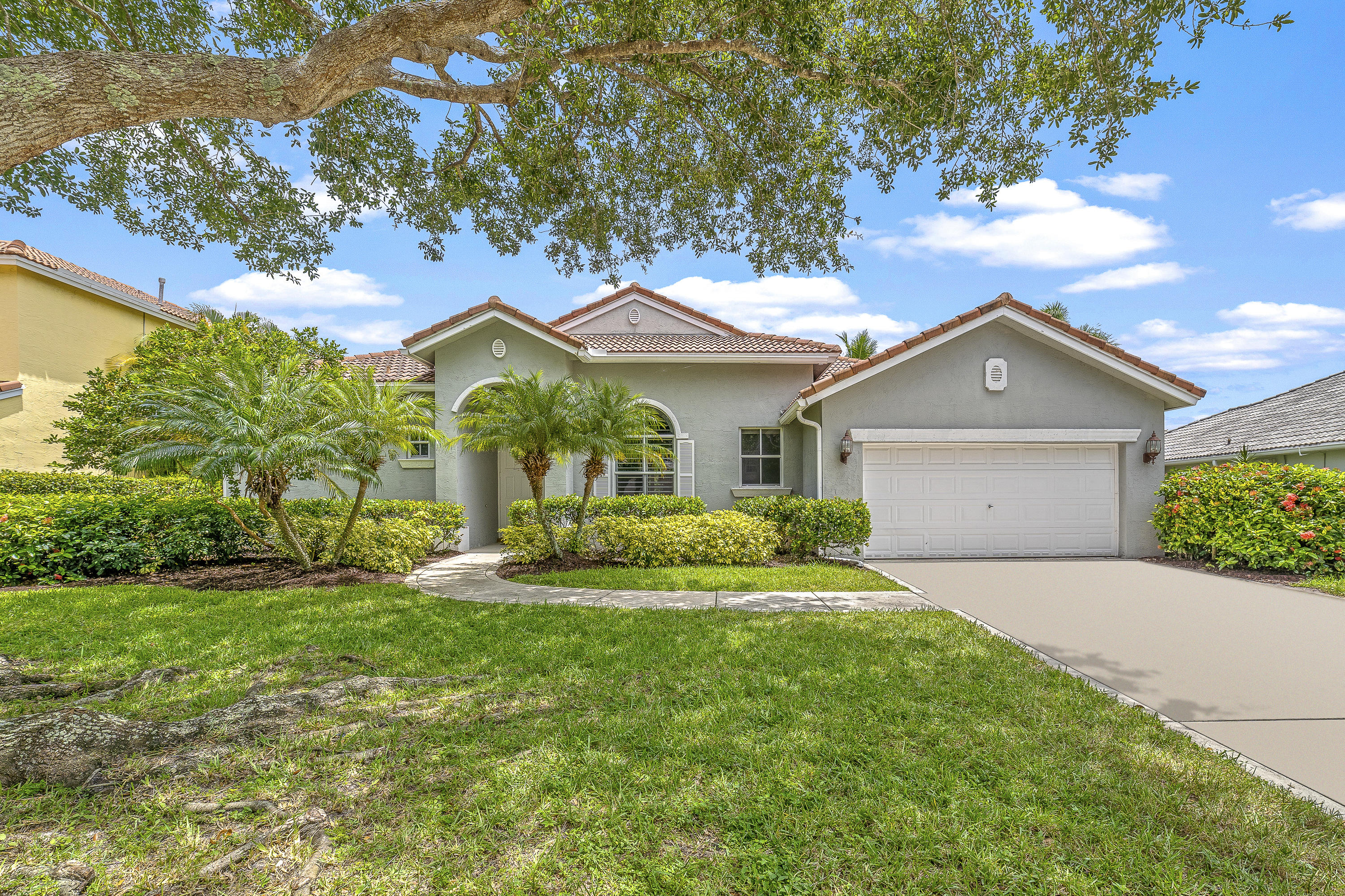 Photo of 1092 Lakeshore Drive, Jupiter, FL 33458