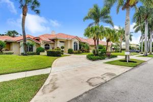 821 NE Orchid Bay Drive  For Sale 10636289, FL
