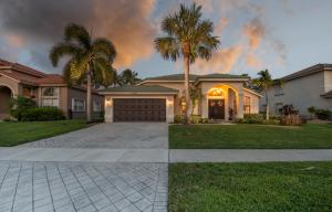 3705  Moon Bay Circle  For Sale 10636438, FL