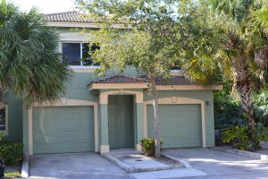 250  Crestwood Circle 208 For Sale 10636523, FL