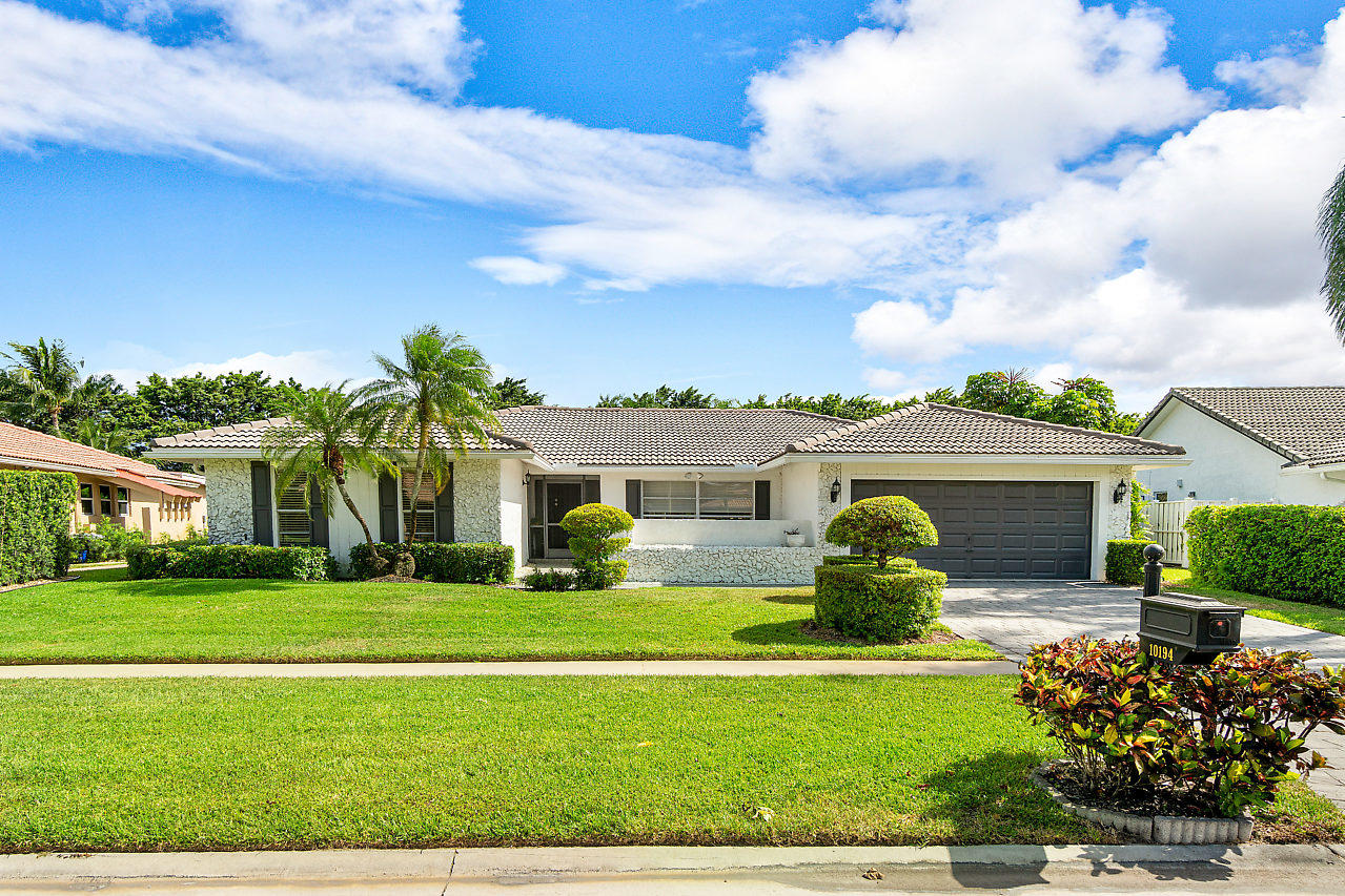 Home for sale in BOCA GREENS 2 Boca Raton Florida