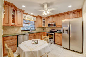 4871  Dovewood Road A For Sale 10637831, FL