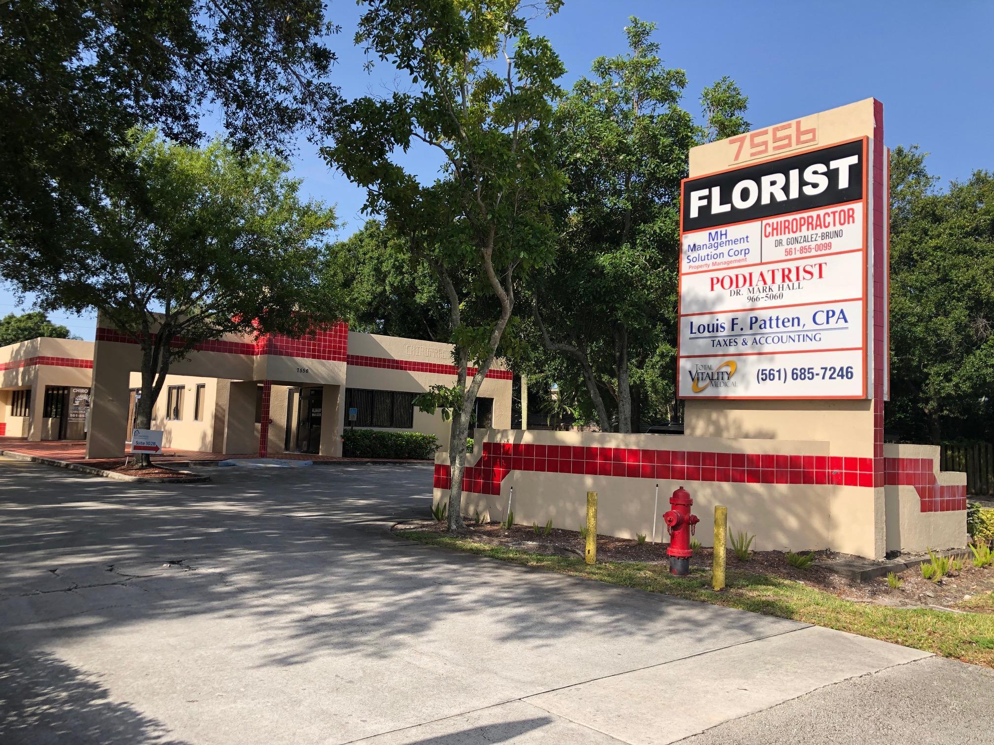 7556 Lake Worth Road  Lake Worth FL 33467