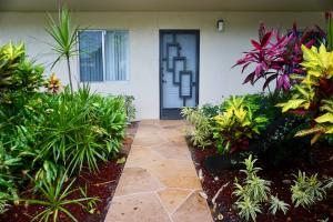 7286  Huntington Lane 102 For Sale 10636682, FL