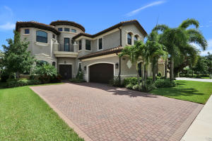 9095  Moriset Court  For Sale 10636874, FL