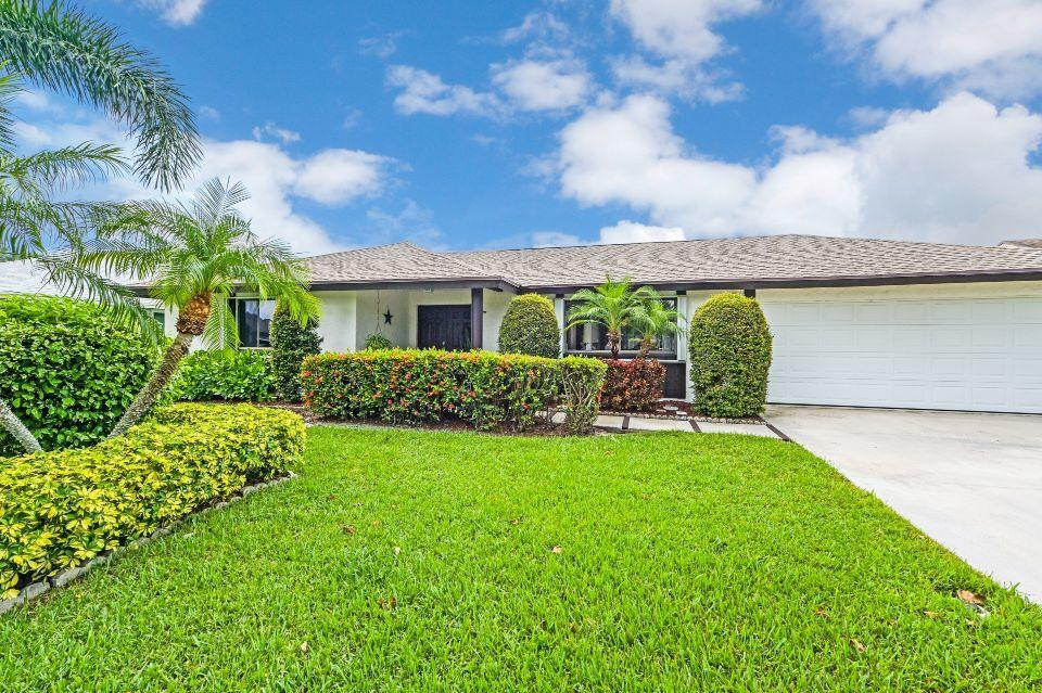 Home for sale in Springhill Lake Worth Florida