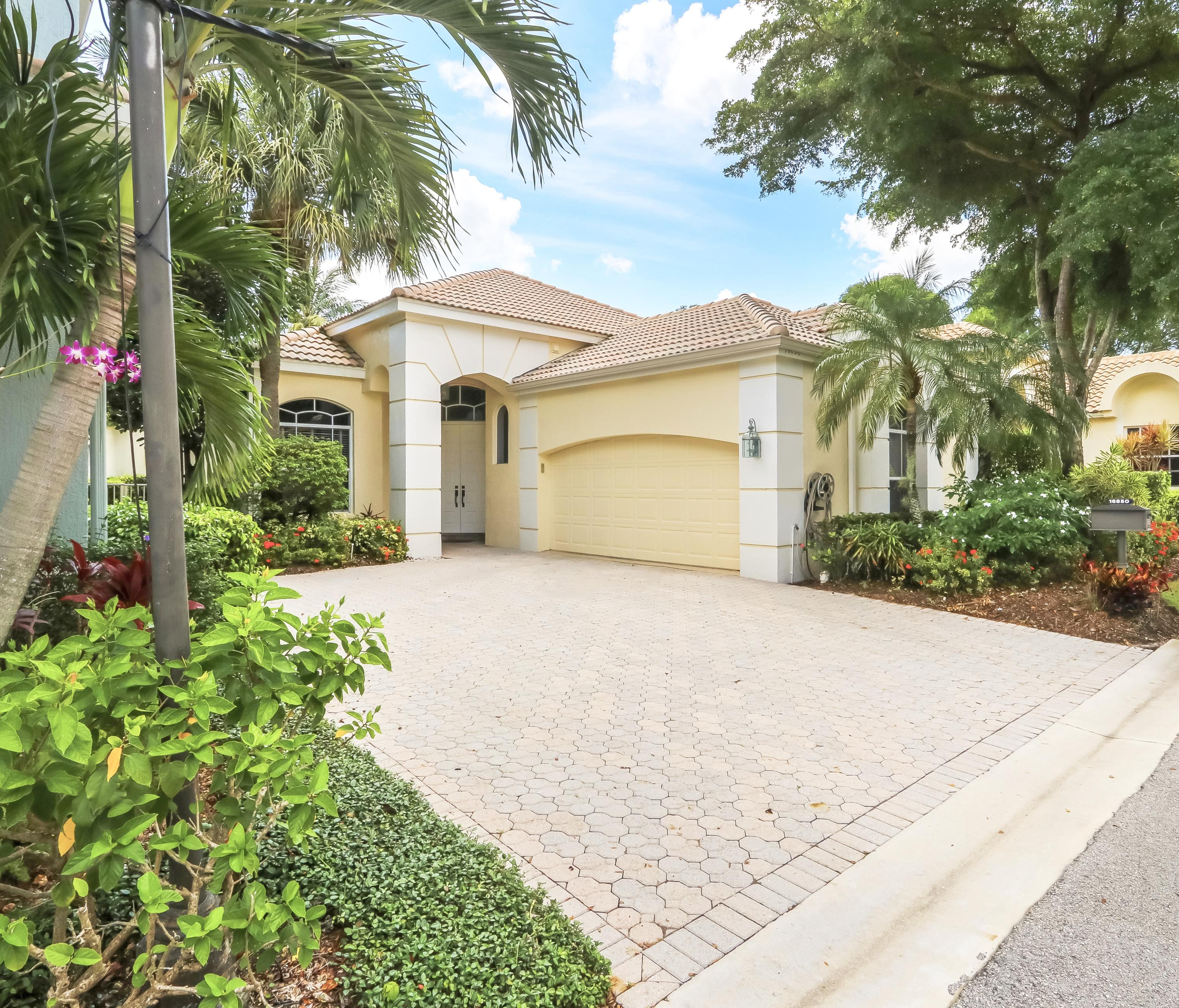 16850 Knightsbridge Lane  Delray Beach, FL 33484