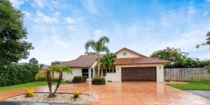1590 SW 14th Drive  For Sale 10636799, FL
