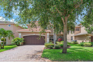 8517  Breezy Hill Drive  For Sale 10635905, FL