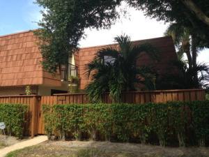 112  Buttonwood Lane  For Sale 10636897, FL