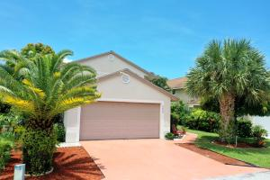 5465  Berry Blossom Way  For Sale 10636931, FL