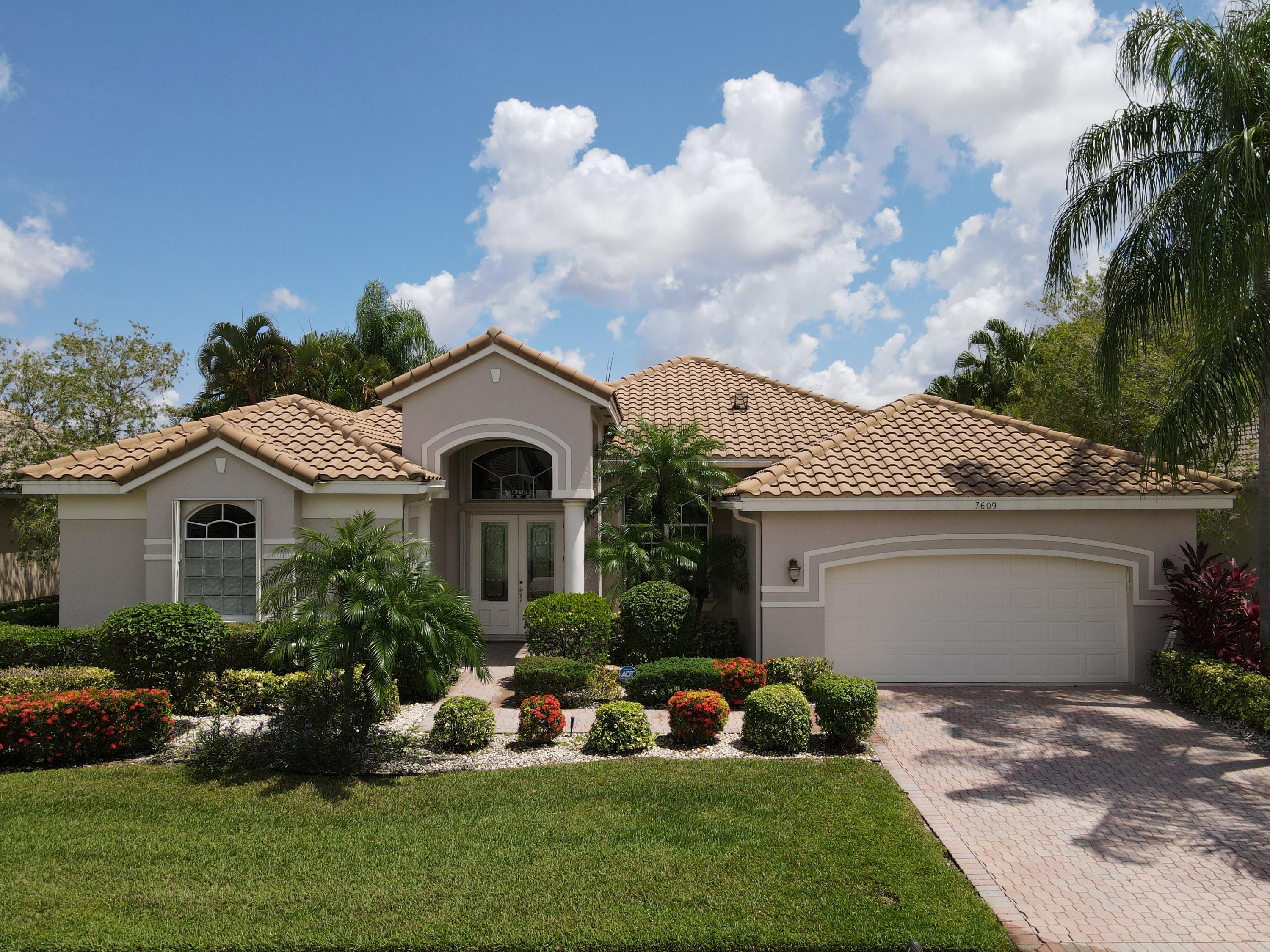Home for sale in Aberdeen/sterling Lakes Boynton Beach Florida