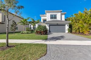 16305  Cabernet Drive  For Sale 10637363, FL