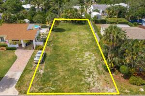 226 NE 11th Street  For Sale 10637690, FL