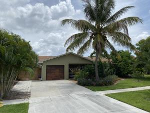 251 NE 2nd Circle  For Sale 10637738, FL