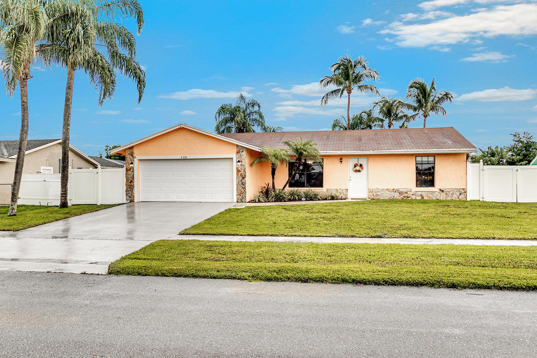 208 Cordoba Circle Royal Palm Beach, FL 33411