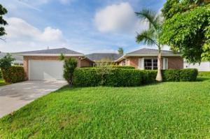 10966  Greentrail Drive S   For Sale 10638450, FL