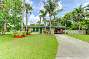 573  Skylake Drive  For Sale 10638156, FL
