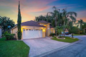 4235  Delmora Court  For Sale 10638291, FL