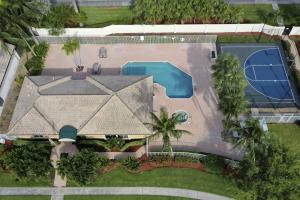 7601  Colony Lake Drive  For Sale 10639135, FL