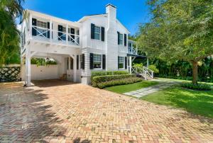 1109  Seaspray Avenue  For Sale 10631605, FL