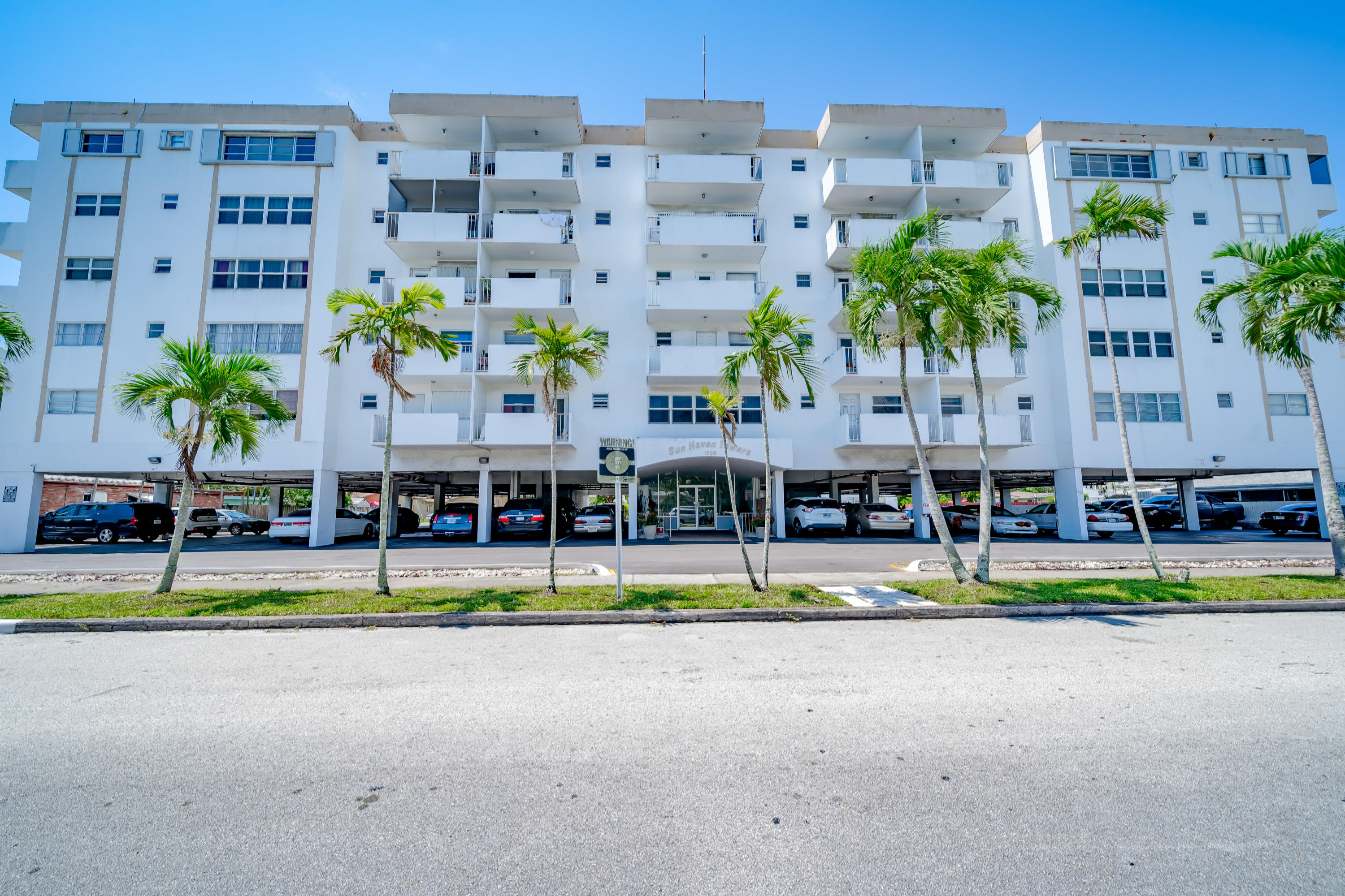 Home for sale in SUN HAVEN TOWERS CONDO Hollywood Florida