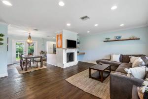 16 N Swinton Circle  For Sale 10636162, FL