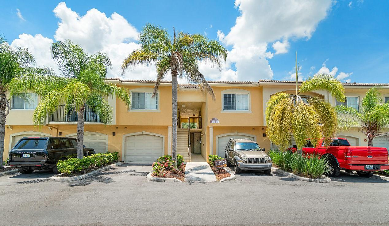 1600 Crestwood Court 1605 Royal Palm Beach, FL 33411