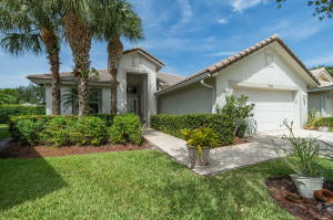 9056  Bay Harbour Circle  For Sale 10639625, FL