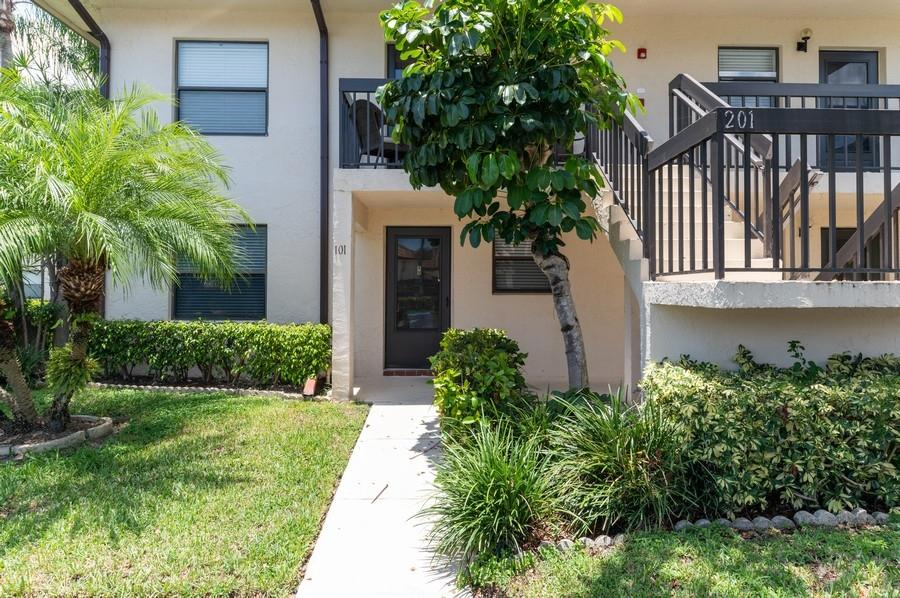Home for sale in LUCERNE LAKES; GOLF COLONY Lake Worth Florida