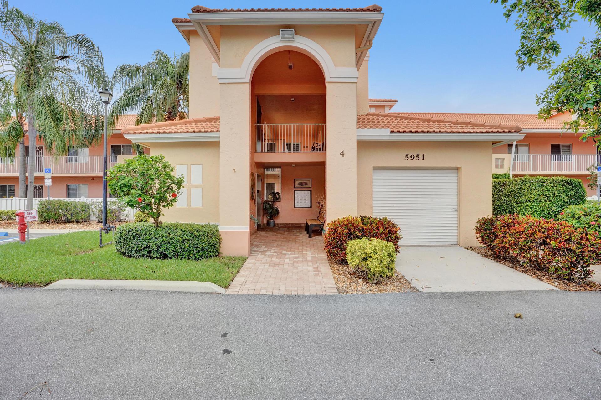 5951 Regal Glen Drive 201 Boynton Beach, FL 33437
