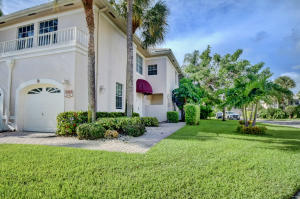 5083  Lake Catalina Drive D For Sale 10638614, FL