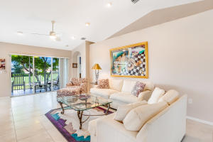 12492  Crystal Pointe Drive 201 For Sale 10639835, FL