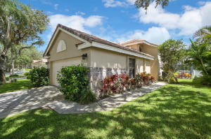 4445  Sherwood Forest Drive  For Sale 10639952, FL