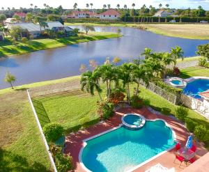 2471  Country Golf Drive  For Sale 10640087, FL