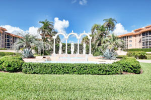 2871 N Ocean Boulevard F333 For Sale 10640121, FL