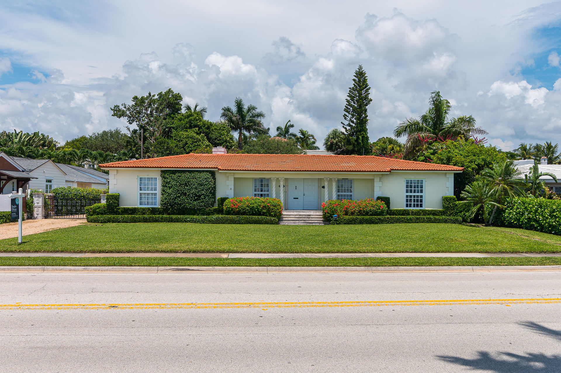 2415 S Flagler Drive West Palm Beach, FL 33401