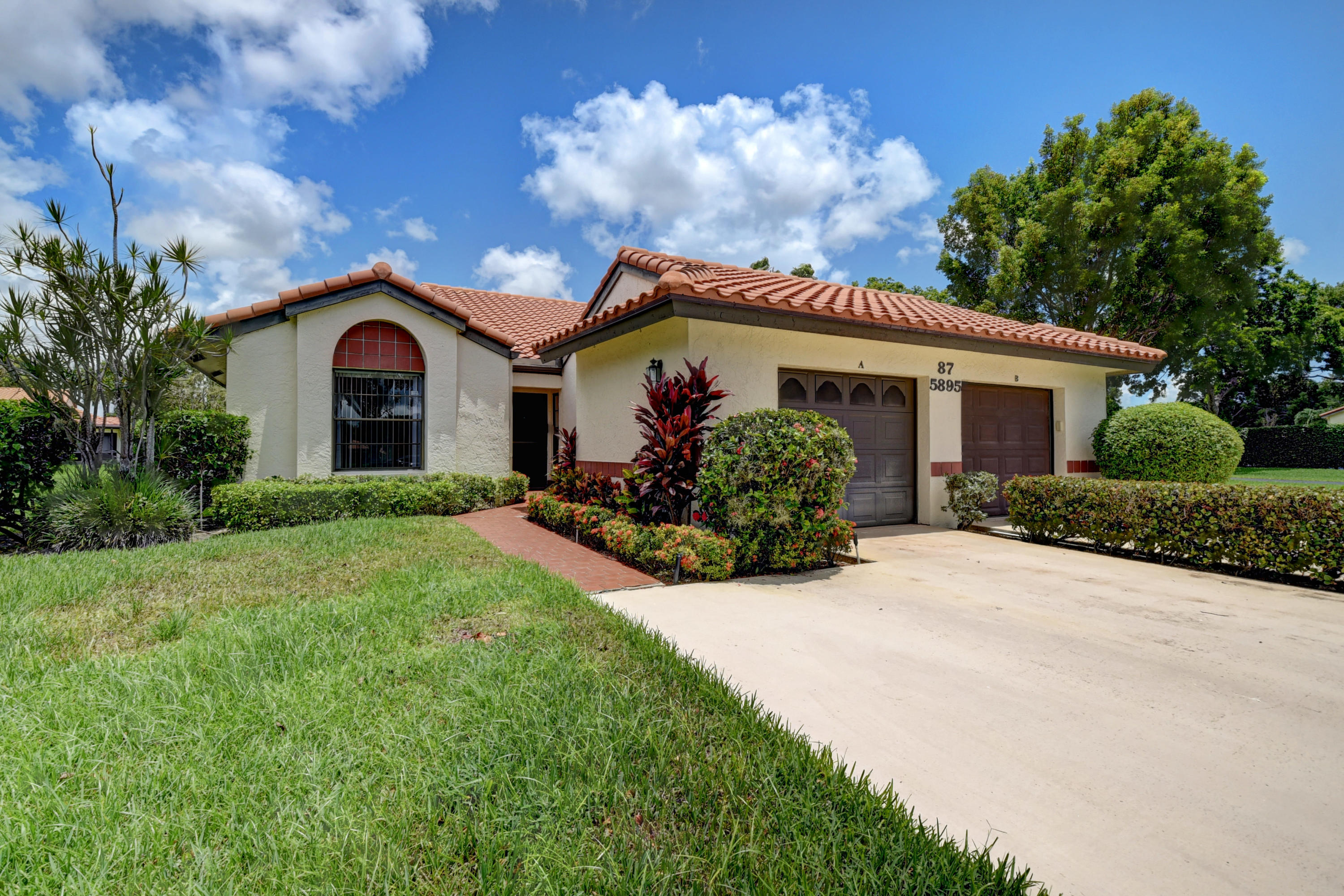 5895 Autumn Lake Lane A Boynton Beach, FL 33437 photo 1