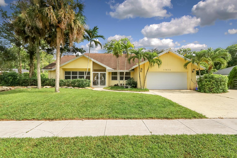 Home for sale in PINEWOOD MANOR OF WELLINGTON Wellington Florida