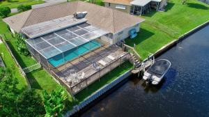 2336  Edgewater Drive  For Sale 10640625, FL
