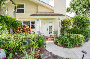 2601  Amherst Court  For Sale 10640661, FL
