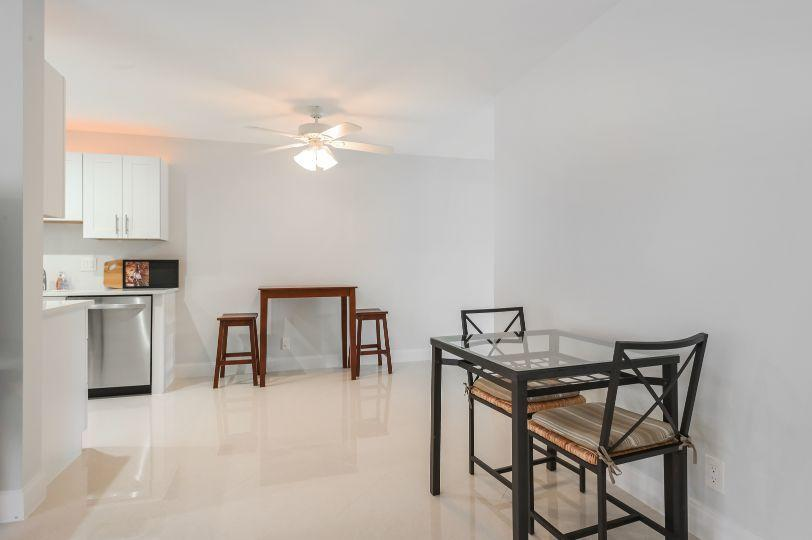 100 Doolen Court 111 North Palm Beach, FL 33408 photo 7