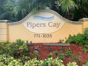 881  Pipers Cay Drive  For Sale 10641089, FL