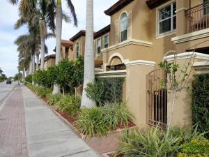 3120  Waterside Circle  For Sale 10641240, FL