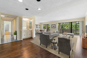 1707  Embassy Drive 102 For Sale 10641991, FL