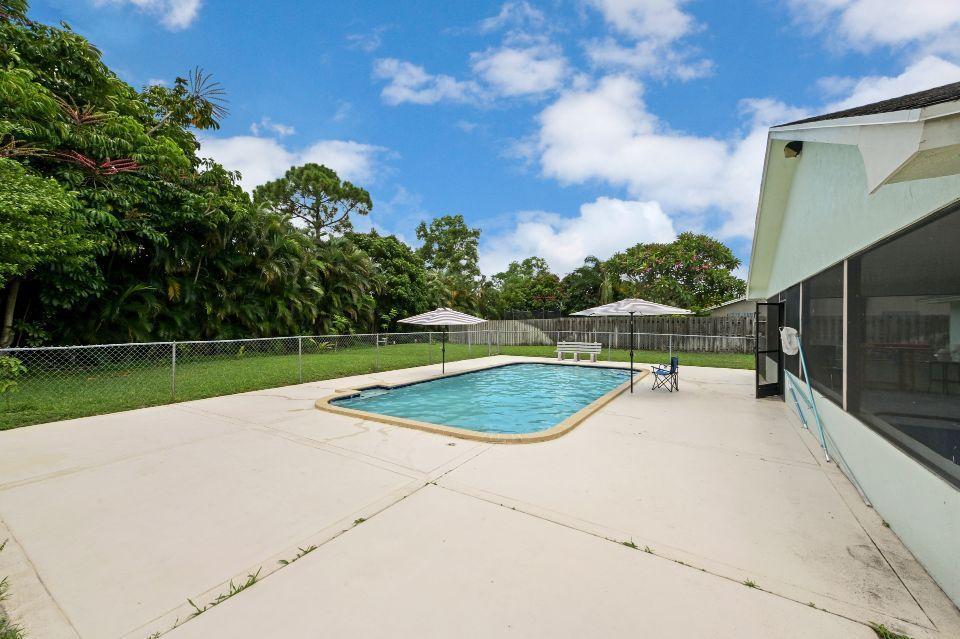 351 Sandpiper Avenue Royal Palm Beach, FL 33411 photo 13