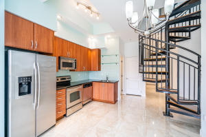 801 S Olive Avenue 403 For Sale 10641858, FL