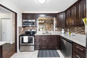 6837  Moonlit Drive  For Sale 10642433, FL